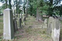 Českolipský židovský hřbitov je jednou z nejstarších dochovaných historických památek ve městě.