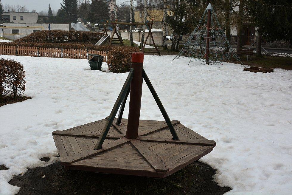Hřiště v Novém Boru.