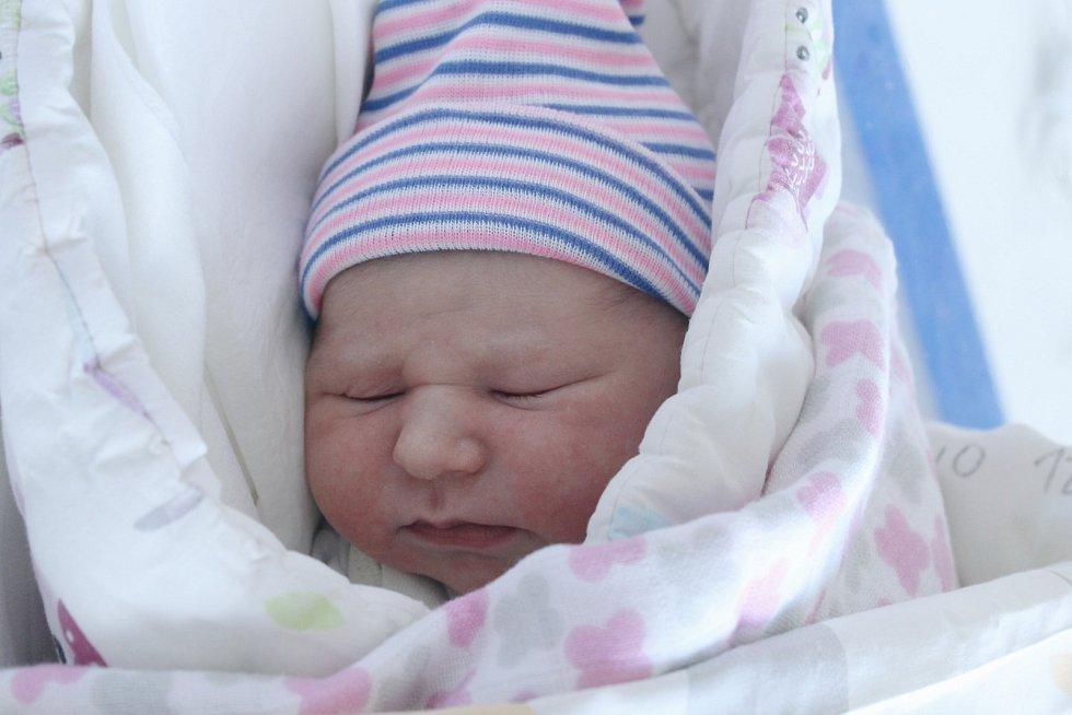 Rodičům Veronice Tauchmanové a Miroslavu Maťátkovi z Děčína se v pondělí 29. června ve 23:56 hodin narodila dcera Natálie Tauchmanová. Měřila 48 cm a vážila 3,37 kg.