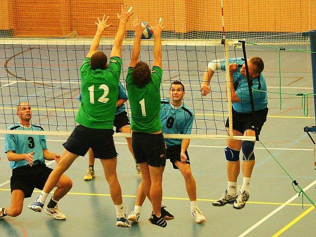 Volejbalisté Loko dvakrát porazili tým Semil.