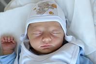 Manželům Valentovým z České Lípy se v sobotu 3. srpna ve 12:16 hodin narodil syn Tadeáš Valenta. Měřil 50 cm a vážil 3,35 kg.