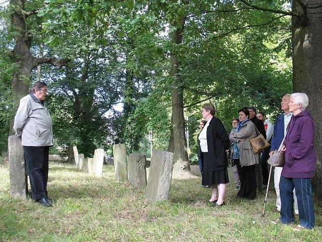 Pro účastníky exkurze připravil poutavý výklad historik Ladislav Smejkal.
