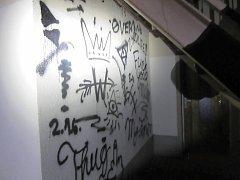 Pětadvacetitisícovou škodu způsobili sprejeři ve Cvikově.