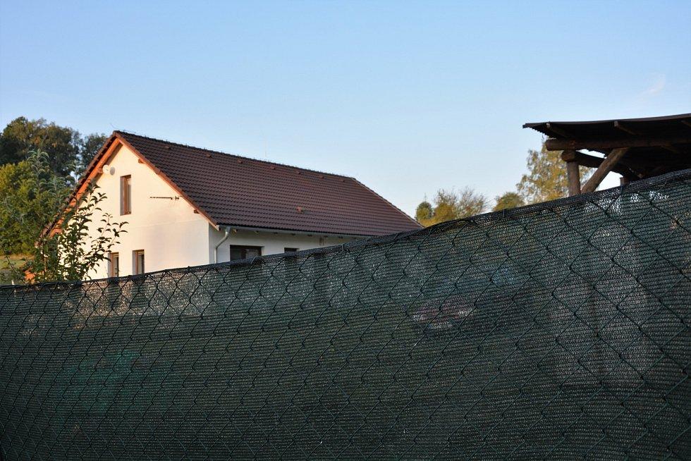 Volfartice jsou v šoku ze zastřelení mladého otce rodiny jeho sousedem