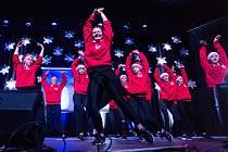 Tanečníci Tutti Frutti rozhýbali celý sál.