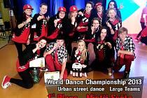 Taneční skupina Dance c.lock 7even vyhrála mistrovství světa v Liberci.