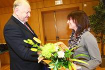 Významný přínos pro rozvoj školství v Libereckém kraji kromě jiných představuje působení učitelky Hany Tesárkové na ZŠ v Kravařích.