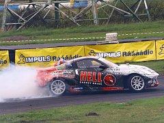 Na autodrom se o víkendu sjeli účastníci šestého závodu Drift Czech Series.