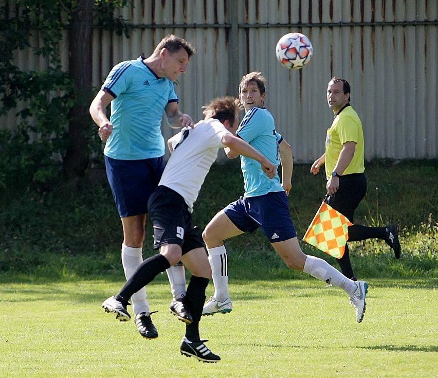 Ruprechtice (v modrém) doma prohrály se Semily 0:5.