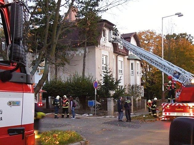 Cvičení hasičů v českolipském dětském domově.