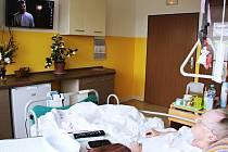 Dcera jedné z pacientek se postarala o skvělé vybavení jednoho z běžných pokojů oddělení LDN v českolipské nemocnici.