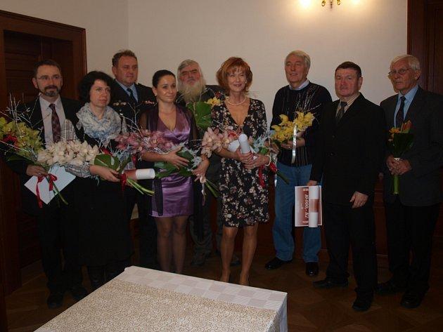 Laureáti letošního Poděkování starostky převzali ocenění v prostorách českolipské vily Hrdlička v Děčínské ulici.