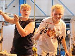 Třináctý ročník Sklářských slavností proběhl tuto sobotu u Městského divadla v Novém Boru.