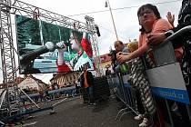 Návštěvníci slavností si užívali velmi pestrý program, který probíhal nejenom na hlavním pódiu, ale také na mnoha dalších místech.