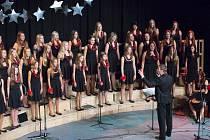 Slavnostní výroční koncert Českolipského dětského sboru. který v roce 2014 sbor oslavil 20 let svého fungování.