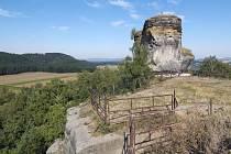 Trosky skalního hradu Jestřebí na Českolipsku.
