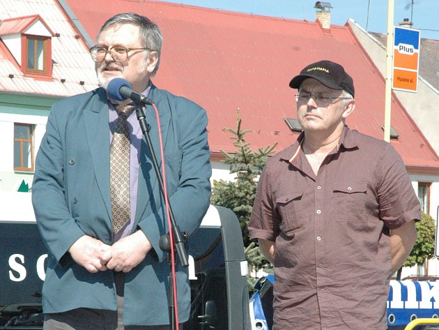 Starosta Mimoně František Kaiser (vpravo) a místostarosta ing. Stanislav Baloun.