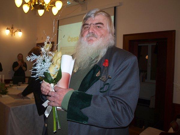 Pro vítězství vnové kategorii Nositel tradic českého řemesla si přišel myslivec a kynolog Karel Steiner.