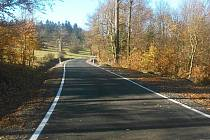 Silnice mezi Polevskem a Práchní už má nový povrch.