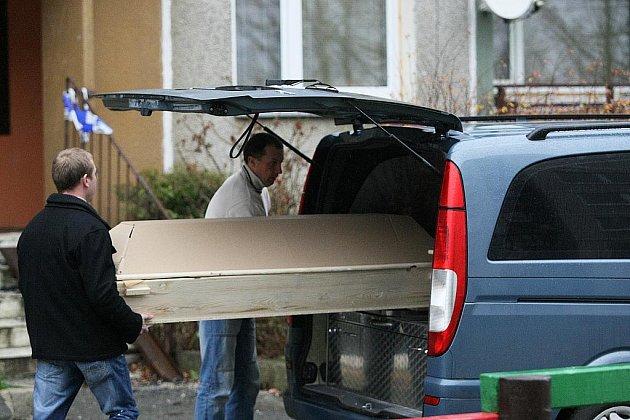 Tragický požár, který v polovině listopadu vypukl v panelovém domě na sídlišti v České Lípě, si vyžádal čtyři oběti.