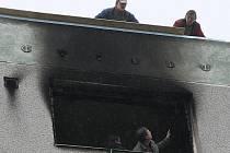 Po říjnovém požáru na pražské Florenci, který si vyžádal devět obětí, je neštěstí v České Lípě druhým loňským nejtragičtějším požárem v Česku.