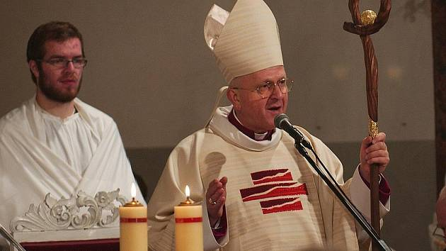 Čtyři sta padesát let uplynulo od vysvěcení kostela sv. Alžběty ve Cvikově. Toto významné výročí si Cvikovští připomínají po celý rok. Oslavy vyvrcholily pontifikální mší svatou, kterou celebroval litoměřický biskup Jan Baxant.