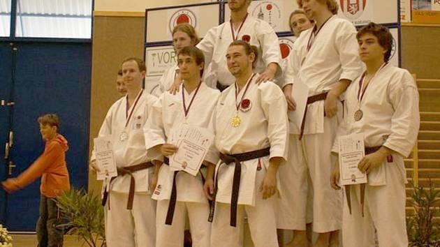 Šest zlatých získali karatisté Sport Relaxu.