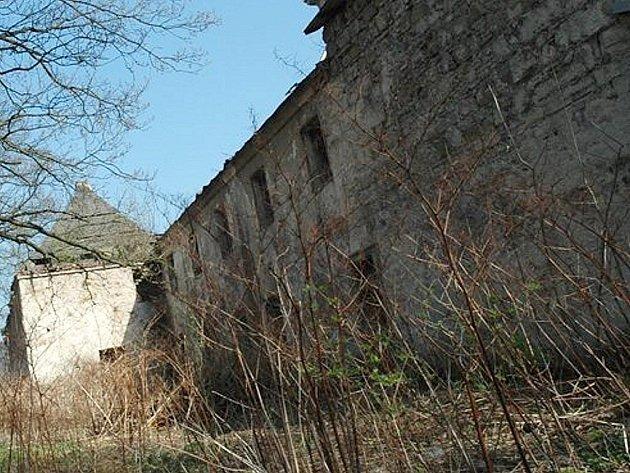 Kapucínský klášter neúprosně chátrá. Podaří se dílo zkázy zastavit a tuto unikátní památku zachránit?