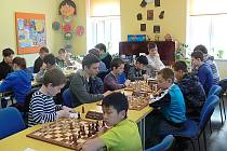 Posledními třemi koly vyvrcholil v Novém Boru přebor žákovských šachových družstev Libereckého kraje.