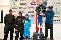 V Sosnové se o valentýnskou sobotu 14.2. závodilo a pátý závod MOGUL driving cup bavil účastníky i promrzlé diváky.