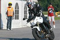 Učme se přežít je název projektu Libereckého kraje, BESIPu a partnerů, který si vzal za cíl zlepšovat dovednosti mladých a začínajících motocyklistů.