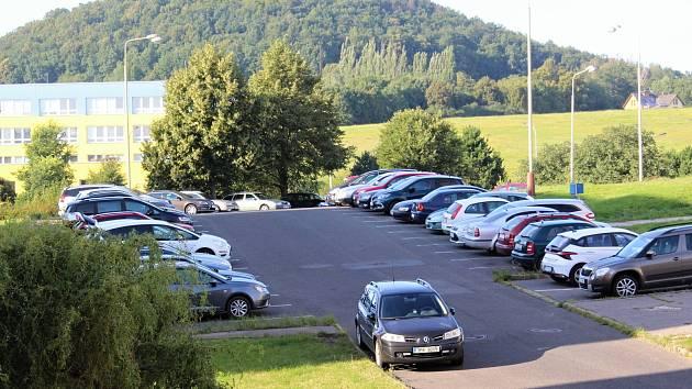 Českolipská radnice si nechá zpracovat analýzu parkovacích potřeb, aby mohla přijít s koncepčním a systematickým řešením problému.