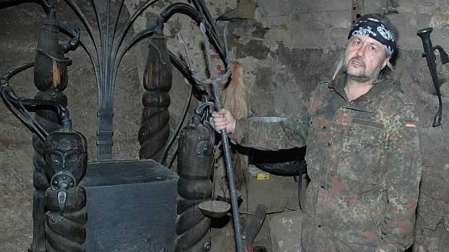Kastelán hradu Houska Miroslav Konopásek.
