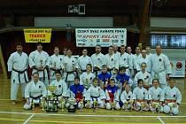 Tým karate klubu Sport Relax.