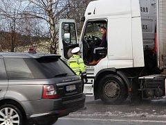 Policisté se při čtvrtečních kontrolách na Českolipsku zaměřili na kamiony.