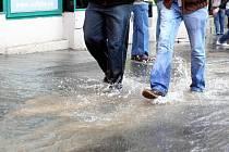Porucha vodovodního potrubí - ilustrační foto