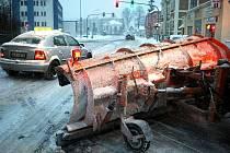 Letošní náklady na zimní úklid silnic Libereckého kraje se pohybují kolem 150 milionů.
