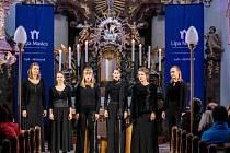 Vokální hudba zněla nedělním podvečerem na festivalu Lípa Musica v kostele svatých Petra a Pavla v Horním Prysku. Jeho protagonistou byl křehký i silný ženský sextet SJAELLA z Lipska.