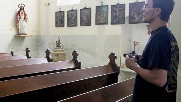 Kostel Čtrnácti svatých Pomocníků v Krompachu se zatím pro veřejnost otevírá jen jednou v roce.
