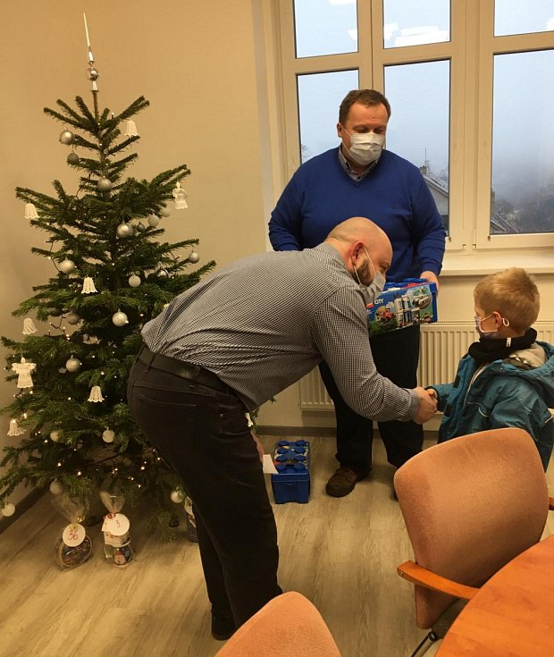 V Kamenickém Šenově proběhlo vyhlášení Vánoční soutěže o lego.