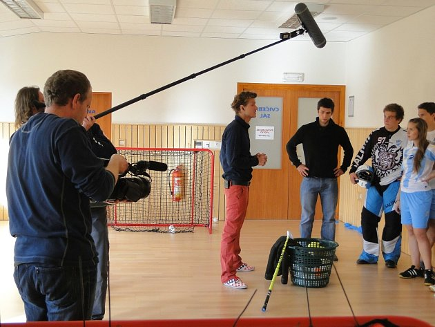 Snímky z natáčení televizní soutěže.