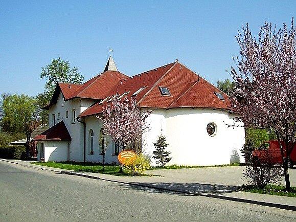 Brniště: sborový dům Oáza.