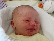 Rodičům Tereze Ihracké a Jaromíru Chroustovskému z Rybniště se v pondělí 12. února v 1:21 hodin narodil syn Vít Chroustovský. Měřil 51 cm a vážil 3,35 kg.