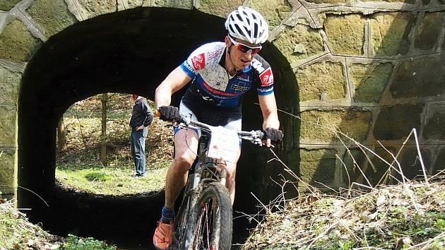 Dvanáctý ročník cyklistického závodu Bohemie MTB Maratón se uskutečnil v Radvanci. První byl Jan Novota.