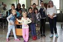 Děti si mohou v Lampě hrát a dělat úkoly ve společenské místnosti.