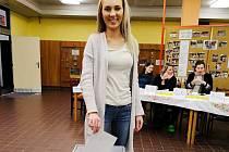 Druhé kolo prezidentských voleb v České Lípě. Volební místnost v ZŠ Šluknovská