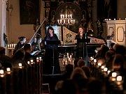 Silné Temné hodinky, jedno z nejpozoruhodnější děl francouzského baroka, provedly vynikající pěvkyně Hana Blažíková a Barbora Kabátková v sobotu 22. září v kostele sv. Barbory v Zahrádkách.