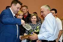 Jiří Vosecký dostal během víkendu stovky gratulací formou sms, osobně mu v sobotu přijel popřát hejtman Libereckého kraje Martin Půta.