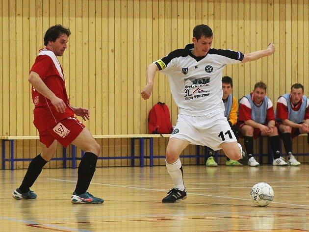 Dva kroky na cestě do nejvyšší soutěže futsalistů už mužstvo FC Démoni Česká Lípa zvládlo.