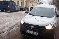 Na nový vůz pro Dětský domov v Jablonném v Podještědí přispěla téměř čtyřicítka sponzorů.
